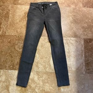 Old Navy Skinnies - Size 6 Long
